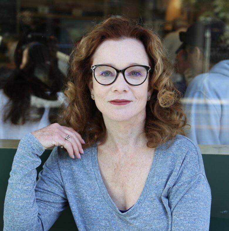 Karen MacNeil - Aveine