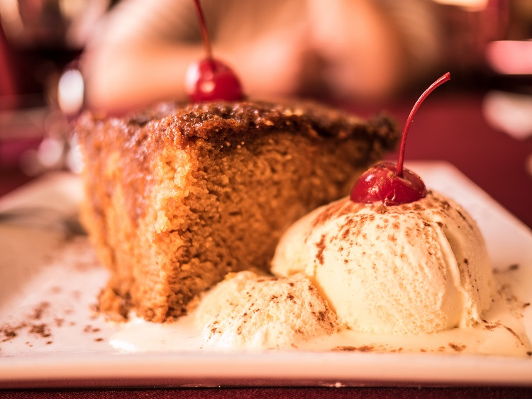 South Africa: The Malva Pudding for Christmas and wine
